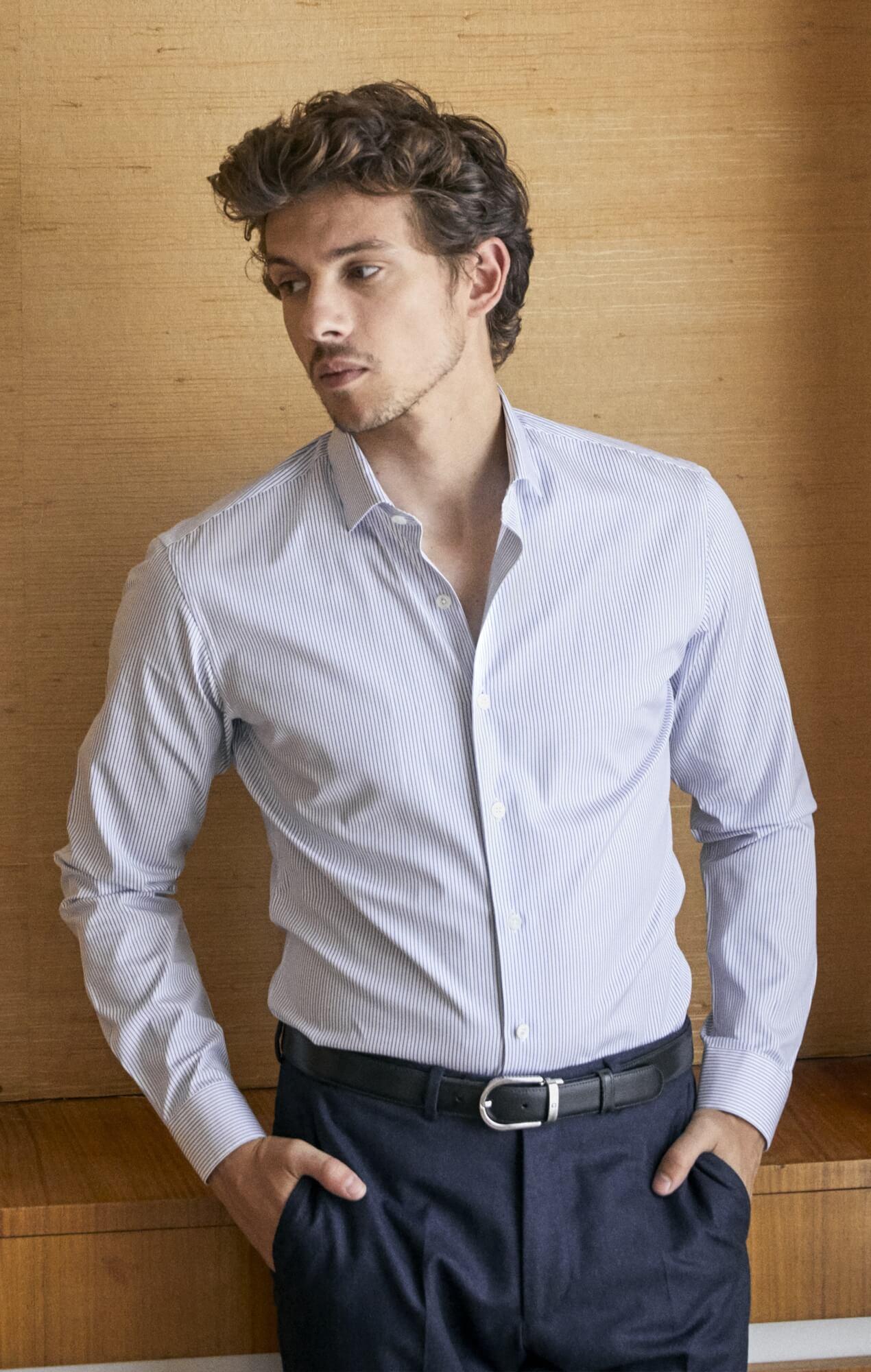 Chemise à rayures equidistantes